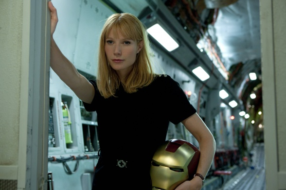 Gwyneth Paltrow - Pepper Potts con el casco