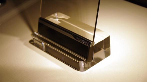 Samsung teléfono transparente Vengadores la era de Ultrón 06