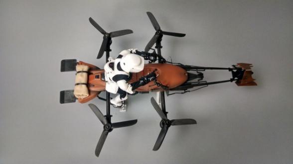 Dron Star Wars Speeder Bike 20