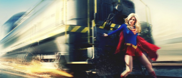 Supergirl parando un tren  - fan-art