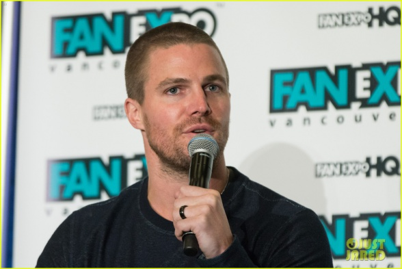 stephen-amell-fan-expo
