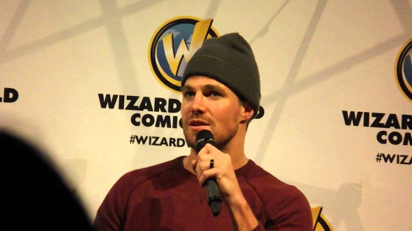 Stephen Amell - Wizard World Comic Con 2015