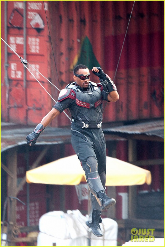 chris evans anthony mackie get to action captain america civil war 04