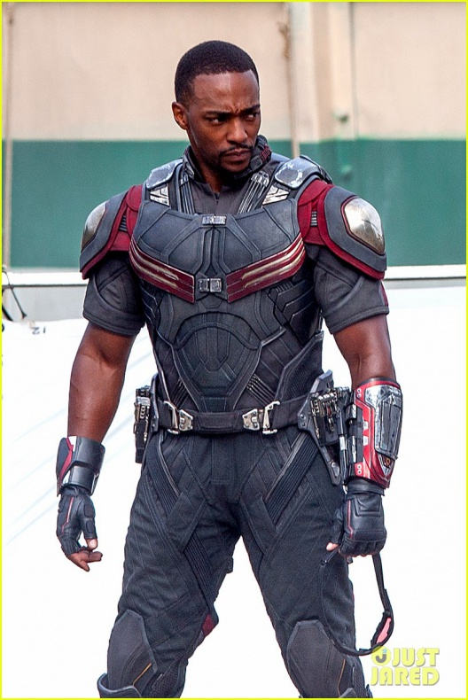 chris evans anthony mackie get to action captain america civil war 12