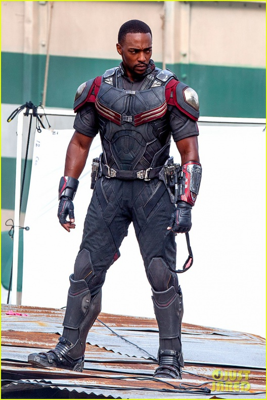 chris evans anthony mackie get to action captain america civil war 16