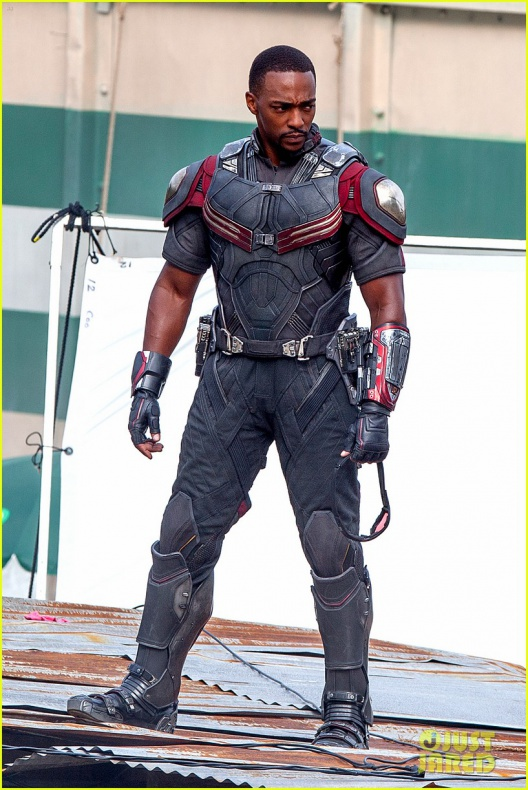 chris evans anthony mackie get to action captain america civil war 19