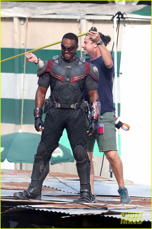 chris evans anthony mackie get to action captain america civil war 21