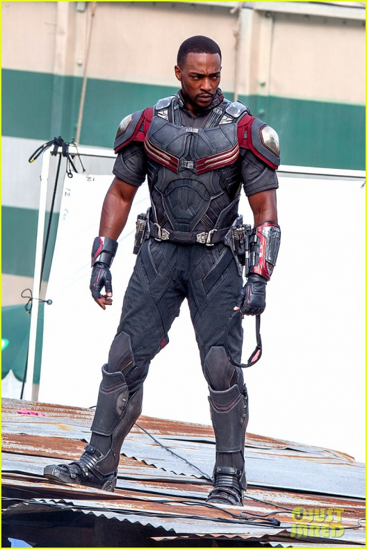 chris evans anthony mackie get to action captain america civil war 24