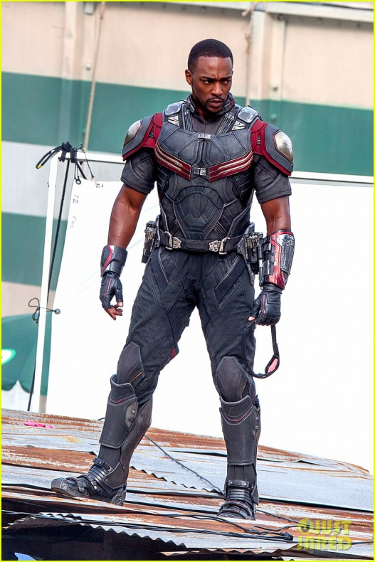 chris evans anthony mackie get to action captain america civil war 26