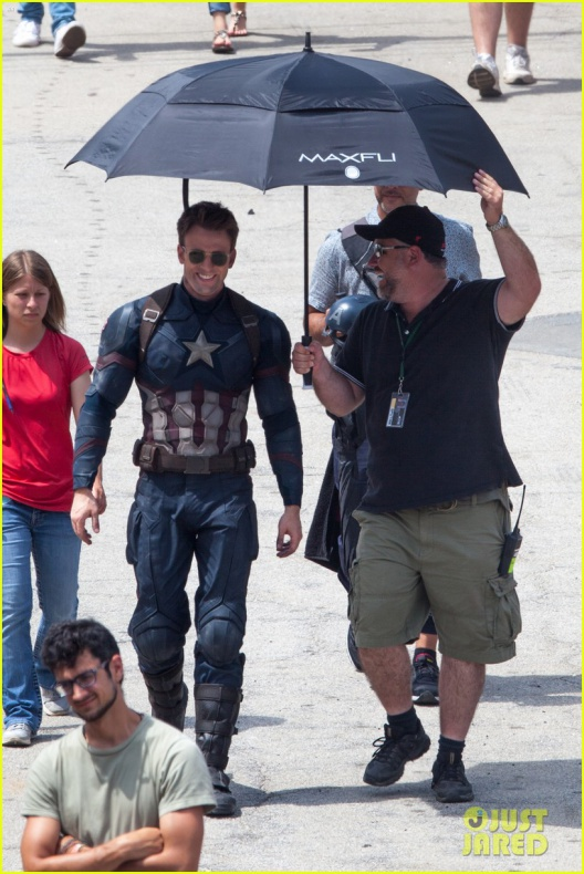 chris evans anthony mackie get to action captain america civil war 31