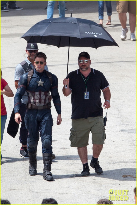 chris evans anthony mackie get to action captain america civil war 33