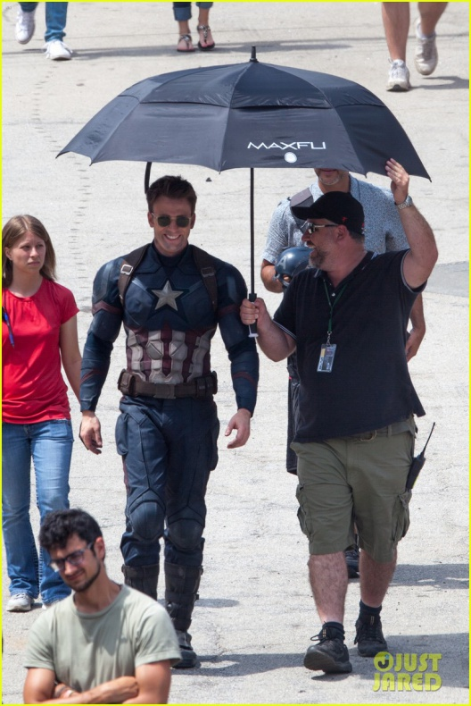 chris evans anthony mackie get to action captain america civil war 40