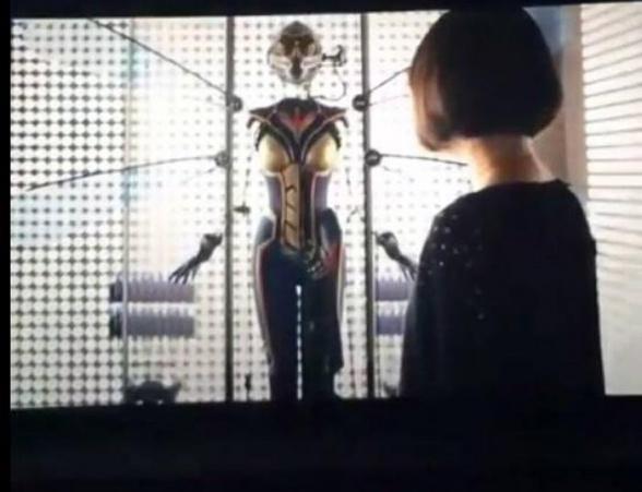 La Avispa en la escena inter-créditos de Ant-Man