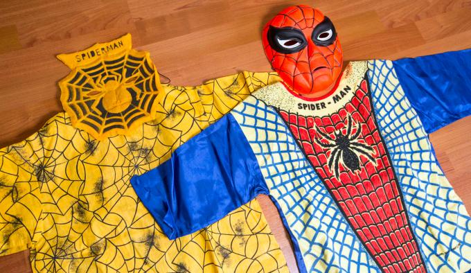Spiderman traje años 50 03