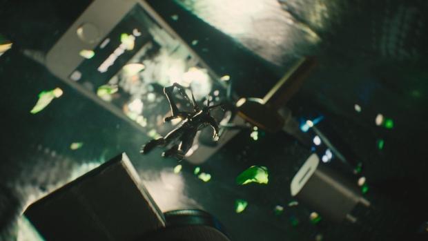 Ant Man pelea en el maletín 02