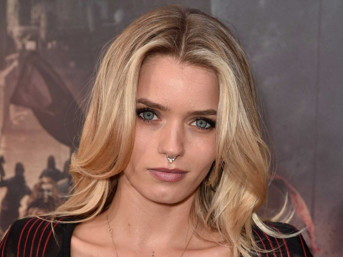 abbey-lee-mad-max-fury-road-premiere