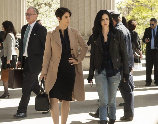 Jessica Jones oficial Krysten Ritter y Carrie Anne Moss