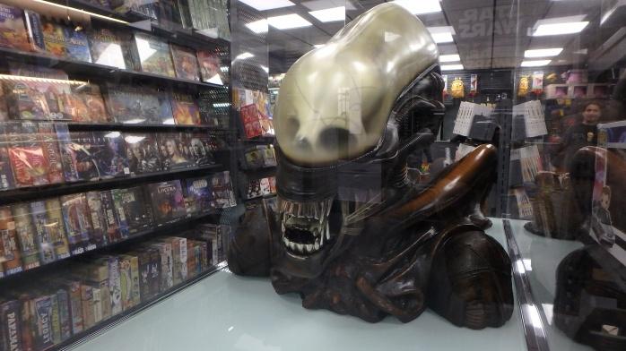 Alien vitrina