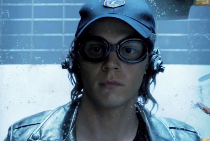Evan Peters como Mercurio