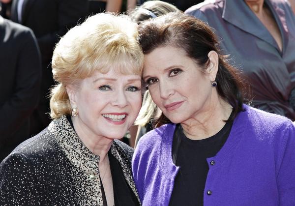 Carrie Fisher y su madre, la actriz Debbie Reynolds