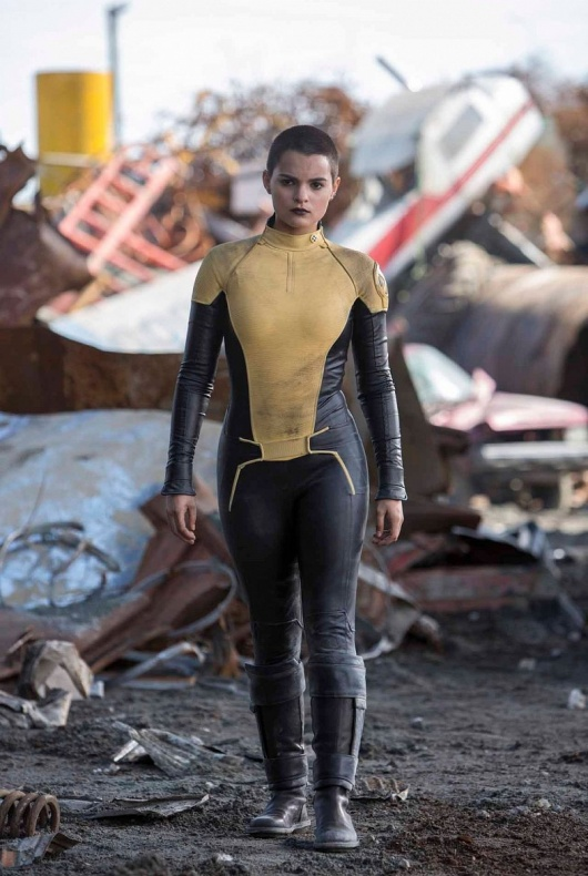 Deadpool-Brianna-Hildebrand-as-Teenage-Negasonic-Warhead