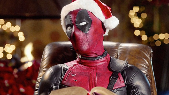 deadpool-santa-hat