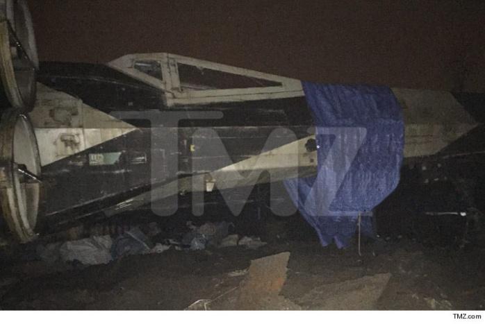 0108-sub-star-wars-x-wing-tmz-5