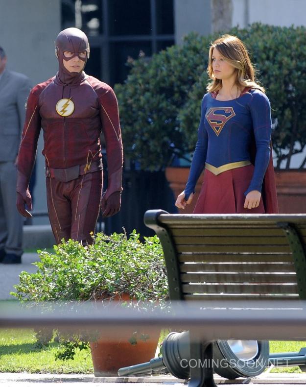Flash Supergirl15
