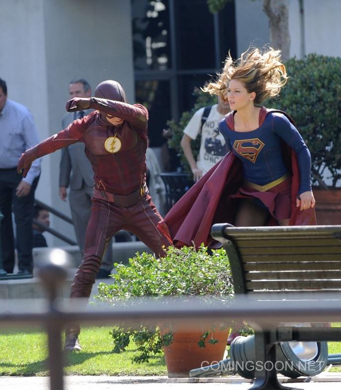 Flash Supergirl16