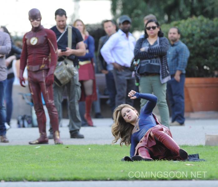 Flash Supergirl7