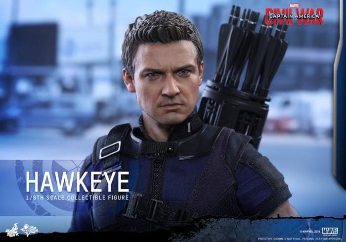 Hot Toys Hawkeye 17