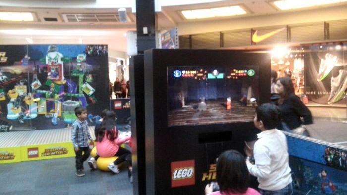 Jugando a Lego Batman