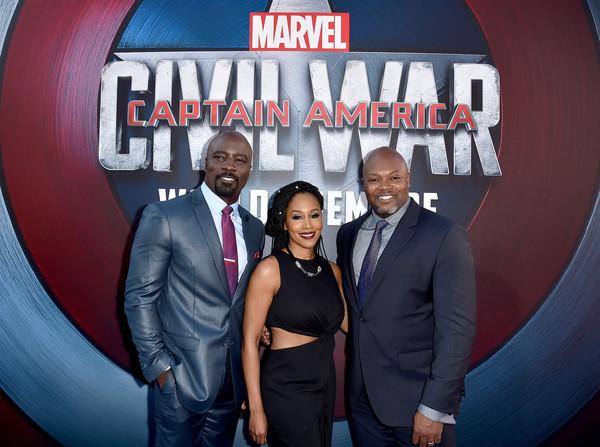 Mike Colter, Simone Missick y Cheo Hodari Coker en la premier de 'Capitán América: Civil War'
