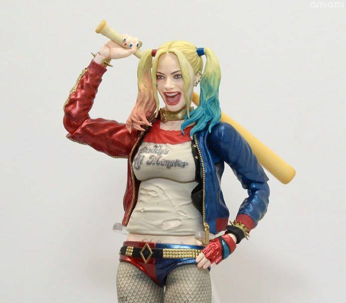 Suicide Squad Harley Quinn SH Figuarts 005