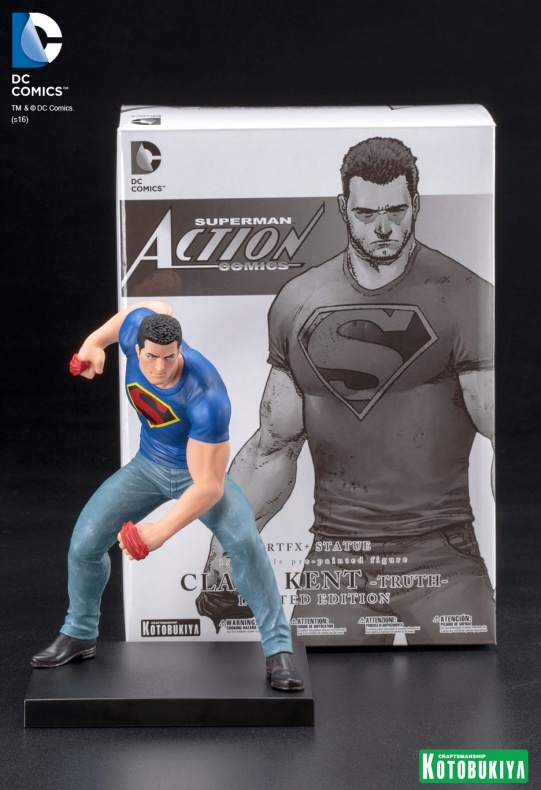 Clark Kent Kotobukiya SDCC (9)