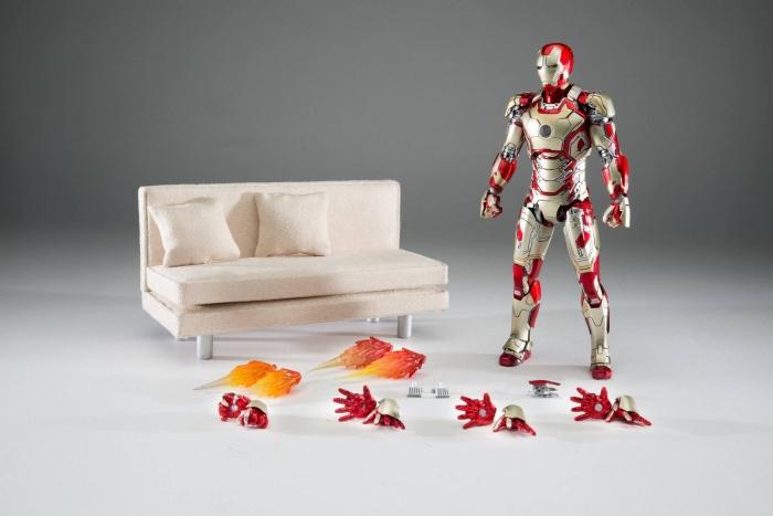 Comicave Studios Iron Man