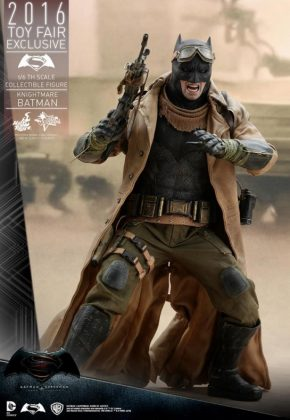 Hot Toys Knightmare Batman (10)