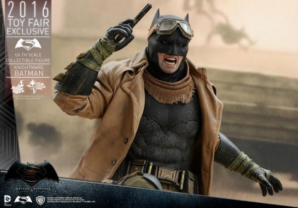 Hot Toys Knightmare Batman (14)