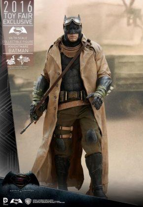 Hot Toys Knightmare Batman (2)