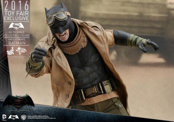 Hot Toys Knightmare Batman (7)