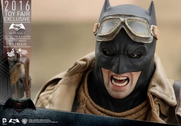 Hot Toys Knightmare Batman (8)