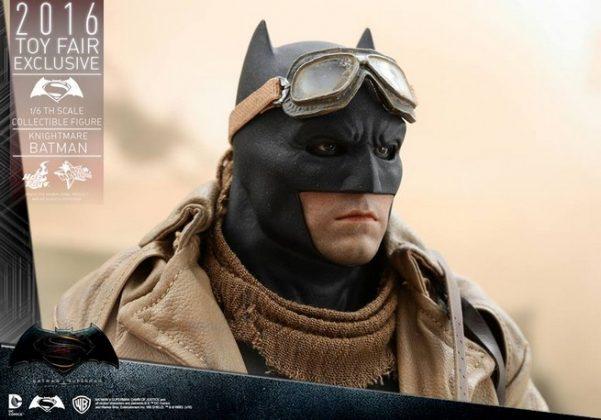 Hot Toys Knightmare Batman (9)