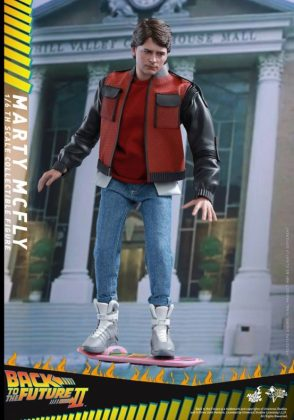 Hot Toys Regreso al futuro (12)