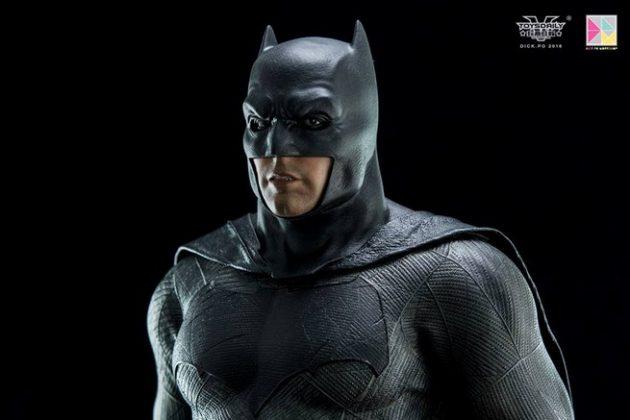 Hot Toys Batman v Superman Batman (1)