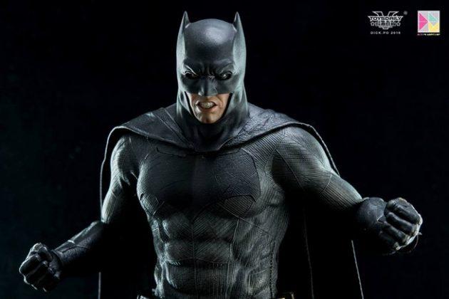 Hot Toys Batman v Superman Batman (10)