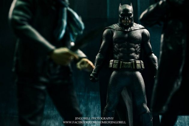 Hot Toys Batman v Superman Batman (13)