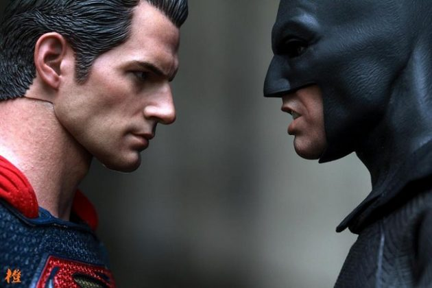 Hot Toys Batman v Superman Batman (30)