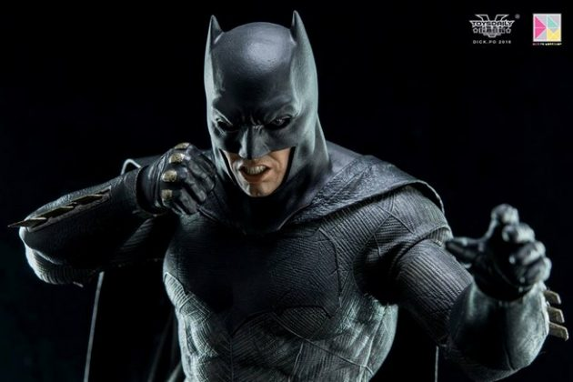Hot Toys Batman v Superman Batman (33)