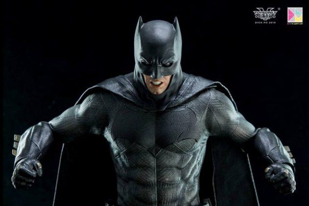 Hot Toys Batman v Superman Batman (4)