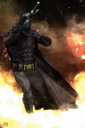 Hot Toys Batman v Superman Batman (41)